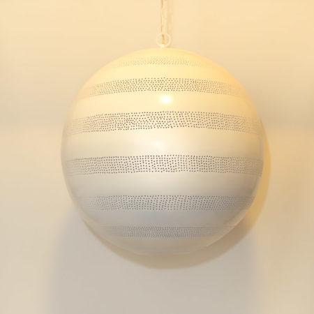 Arabische lamp | Marokkaanse hanglampen | Filigrain | Gaatjes lamp | Mat wit vintage goud | Amsterdam