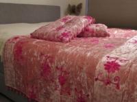 Oosterse sprei | Roze | Beddenspreien | Sundar | Handgemaakt | Oosterse lampen | Slaapkamer | Oosters interieur | Gratis verzenden