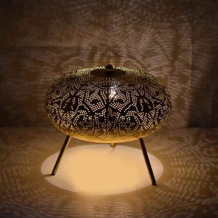 Oosterse tafellamp met schitterend vintage goud filigrain design | Sfeervolle Oosterse tafellampen vind je hier bij de specialist voor Oosterse lampen online | Snelle levering gratis verzenden