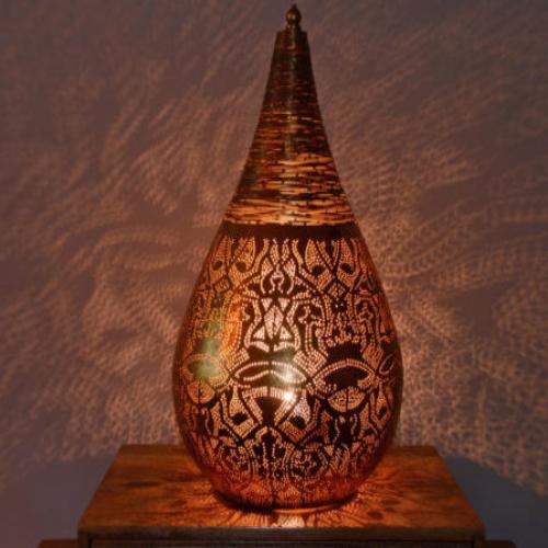 Oosterse tafellampen   Marokkaanse tafellamp   Sfeerverlichting   Arabische lamp   Filigrain lamp   Metaal   Gaatjes lamp   Arabische patronen in het interieur
