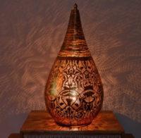 Oosterse tafellampen | Marokkaanse tafellamp | Sfeerverlichting | Arabische lamp | Filigrain lamp | Metaal | Gaatjes lamp | Arabische patronen in het interieur