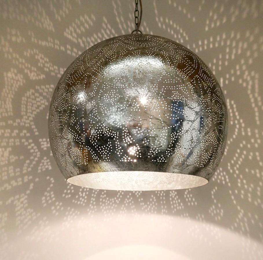 Oosterse filigrain lamp voor een Oosterse sfeer